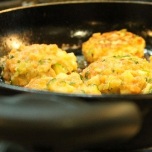 EASY RECIPE THAI SALMON FISHCAKES