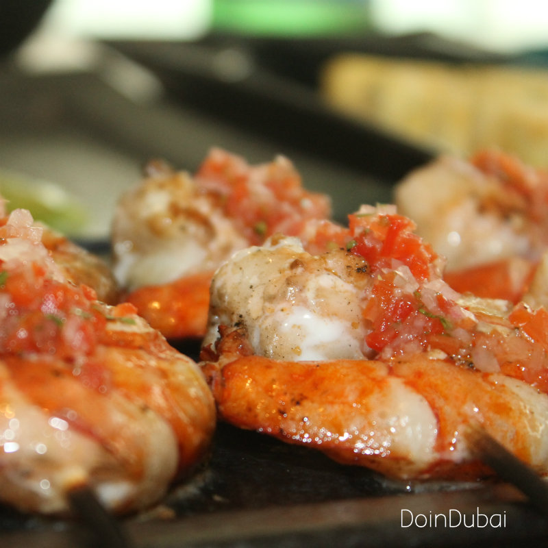 TOTORA DIFC DOINDUBAI Prawn skewers close up 800