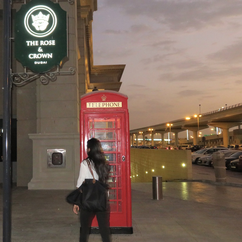 Rose and Crown Dubai DoinDubai phone box
