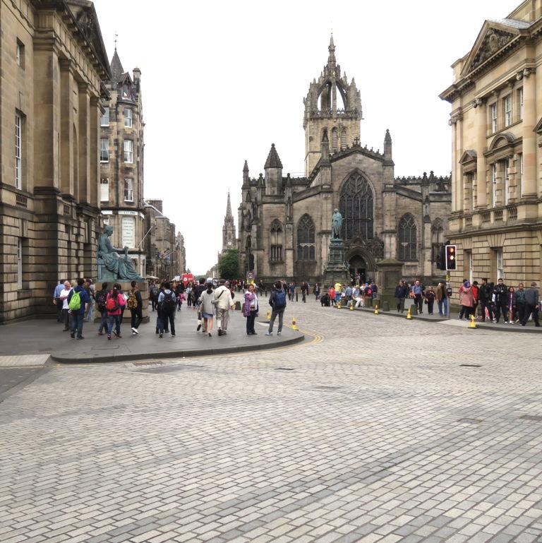 Visit Edinburgh - DoinDubai