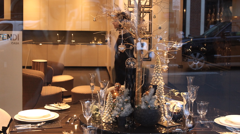 DUBAI'S CHRISTMAS TABLES – CLICK TO GET OUT OF YOUR KITCHEN