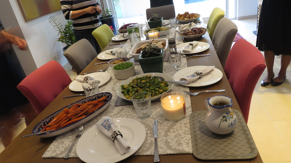 turkey-take-away-doindubai-jones-the-grocer-on-the-dining-table-copy