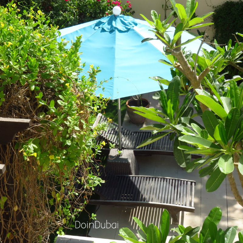 Illuminated Parasol DoinDubai mostly garden blue