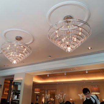Image ofHYATT REGENCY CHURCHILL HOTEL LONDON DoinDubai chandelier
