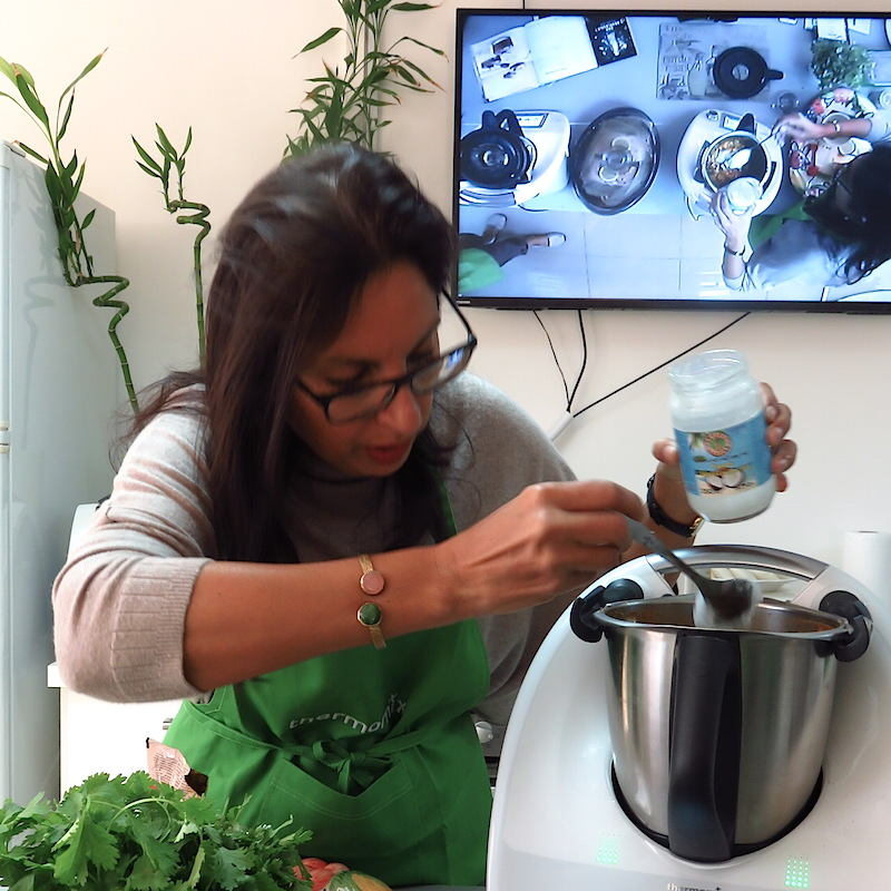 Thermomix in Dubai making a curry paste DoinDubai gallery